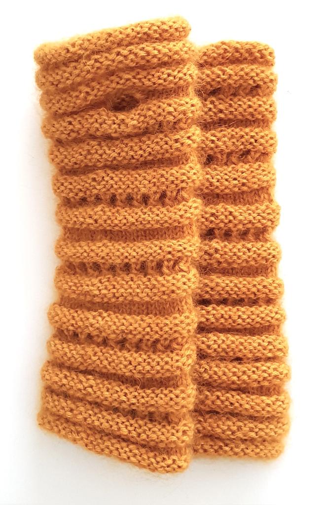 Håndvarmere i alpaka, mohair og silke i sennepsgul