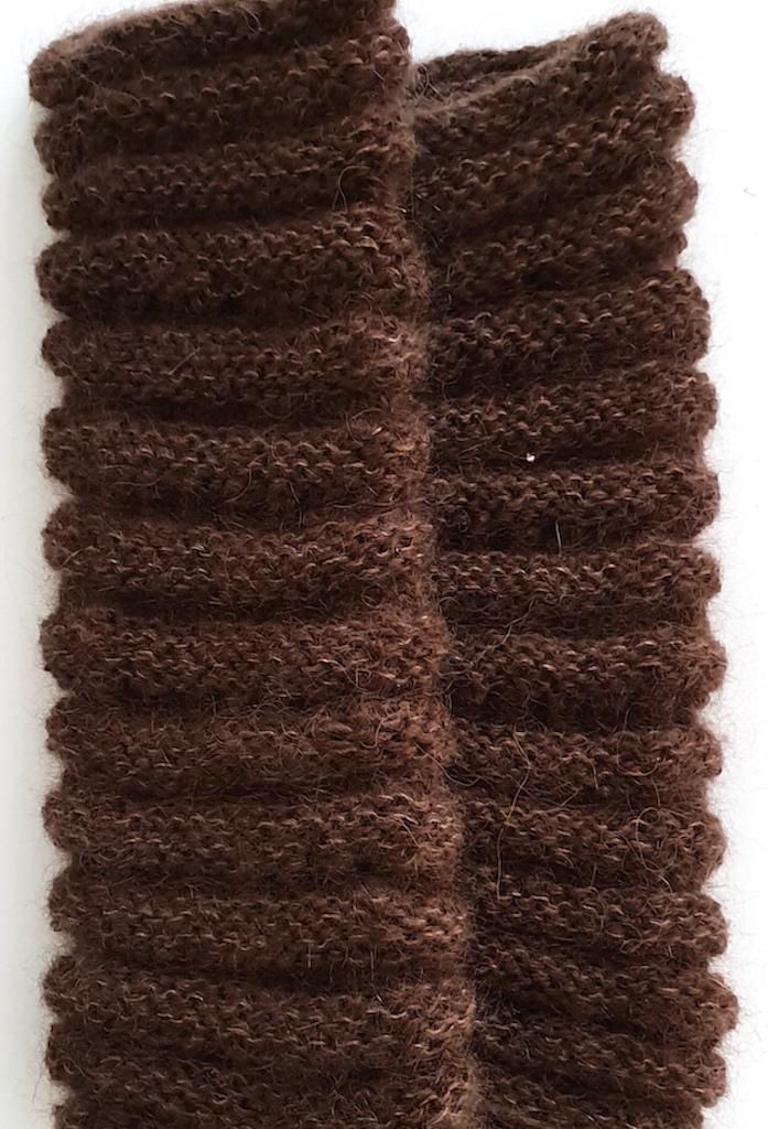 Håndvarmere i alpaka, mohair og silke i brun