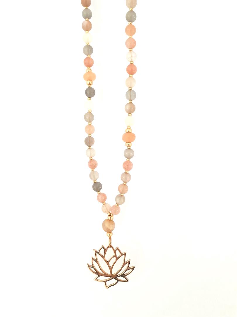 Hipzen lang kæde i moonstone med stor lotus