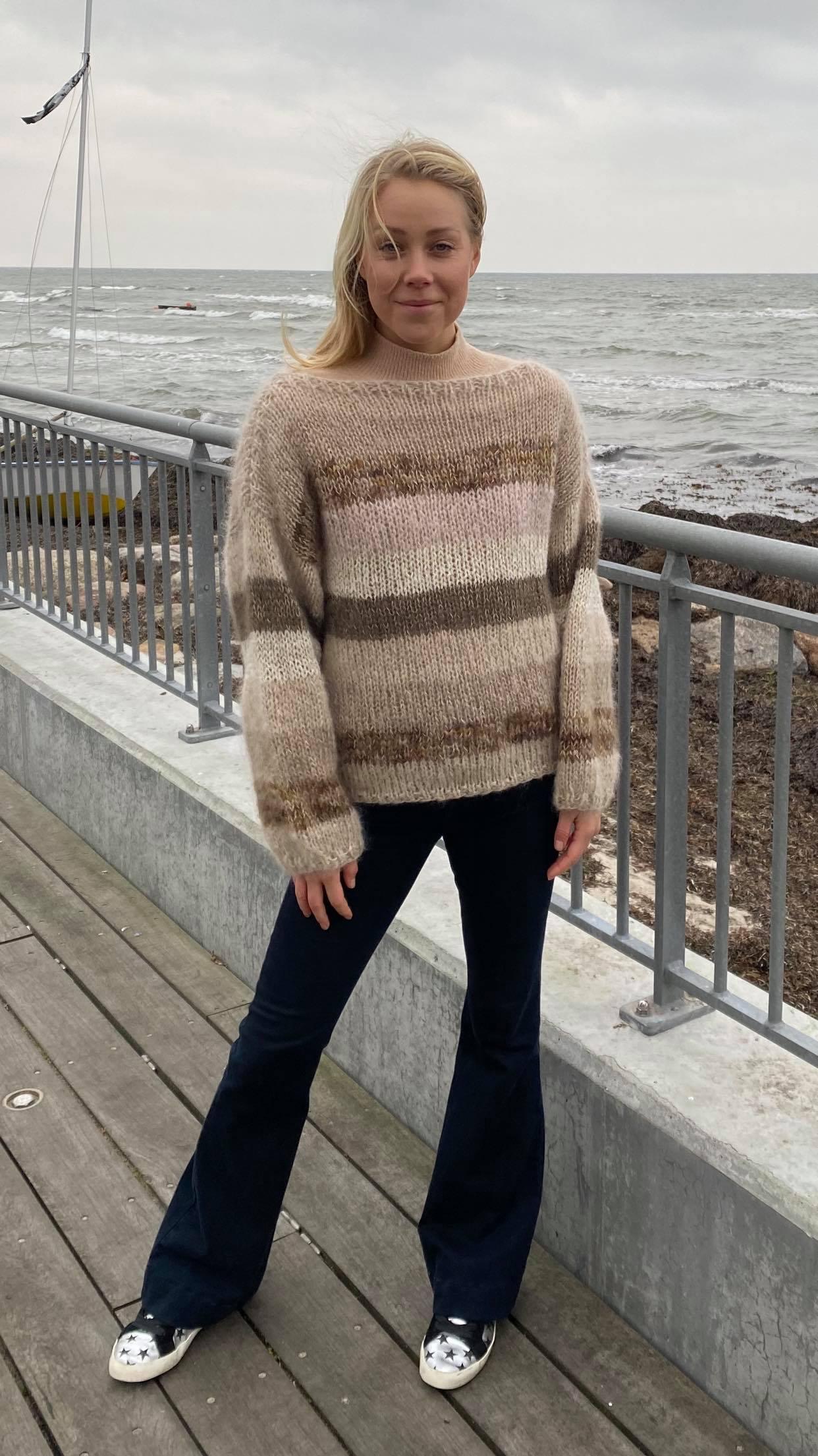 Sweater i beige farver