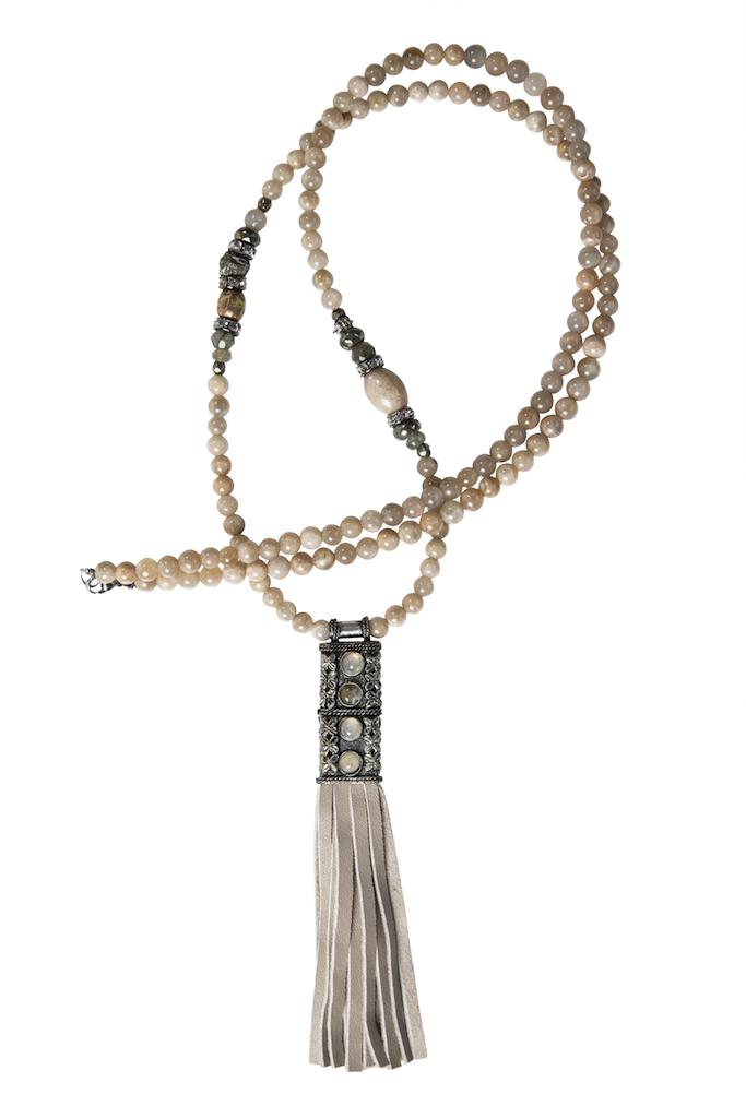 Hipzen lang kæde i moonstone i 6mm. perler.
