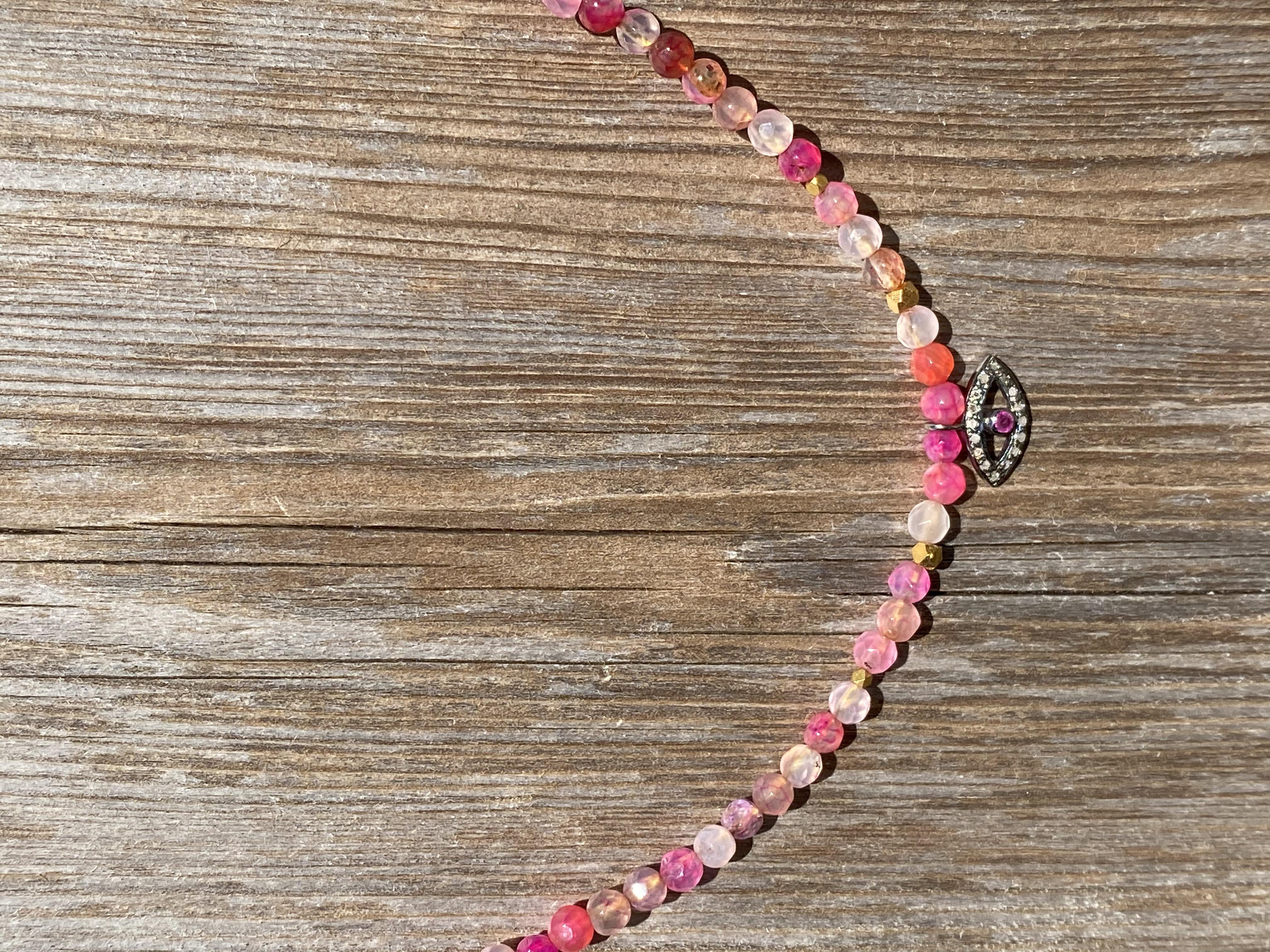 Kort kæde i agat pink med diamant øje
