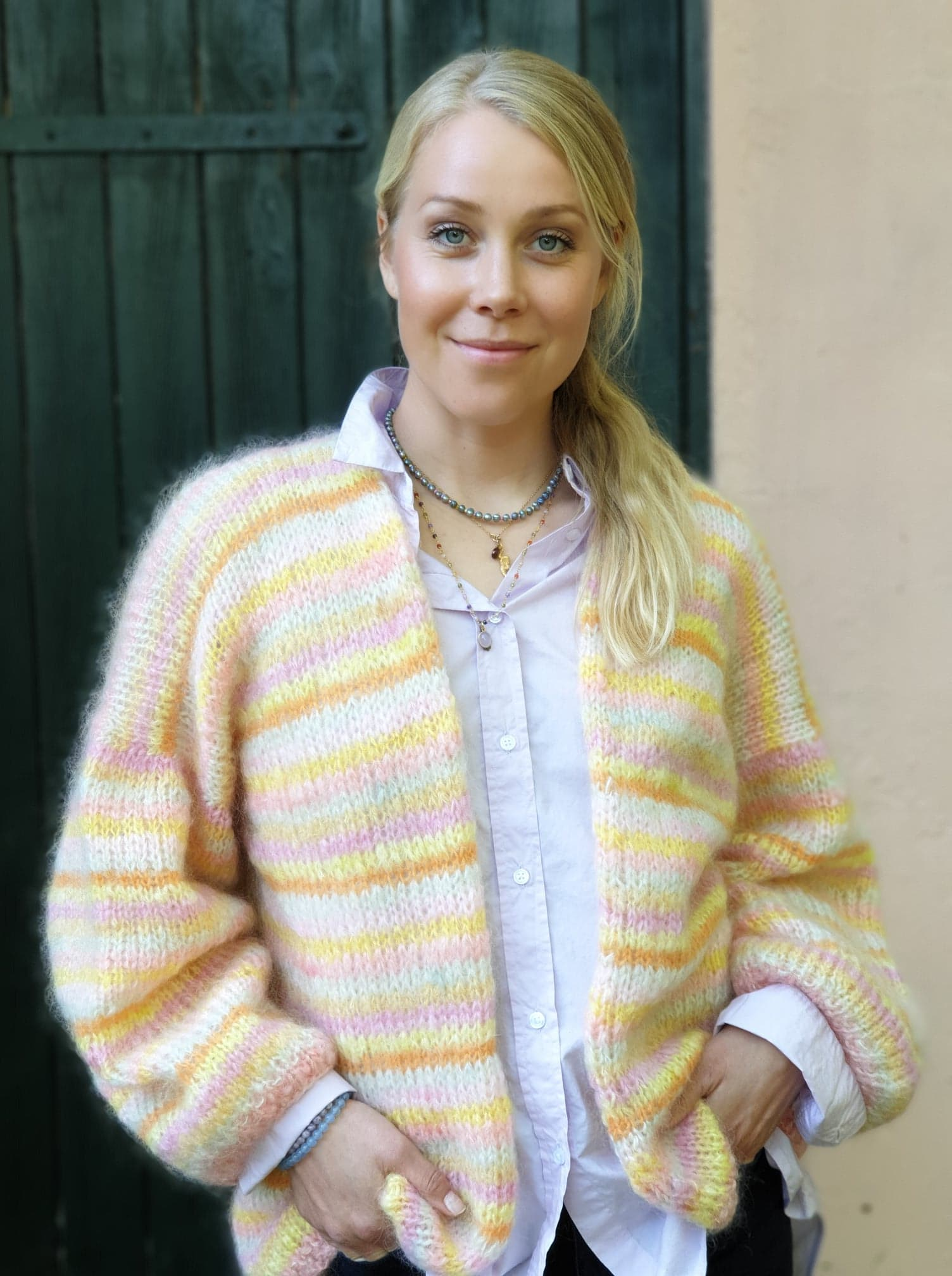 Cardigan i mohair stribet