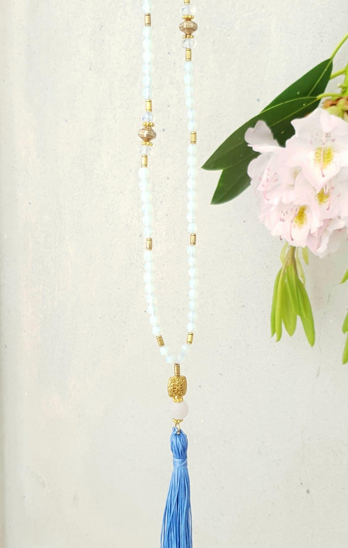Kæde i syntetisk opal med kvast
