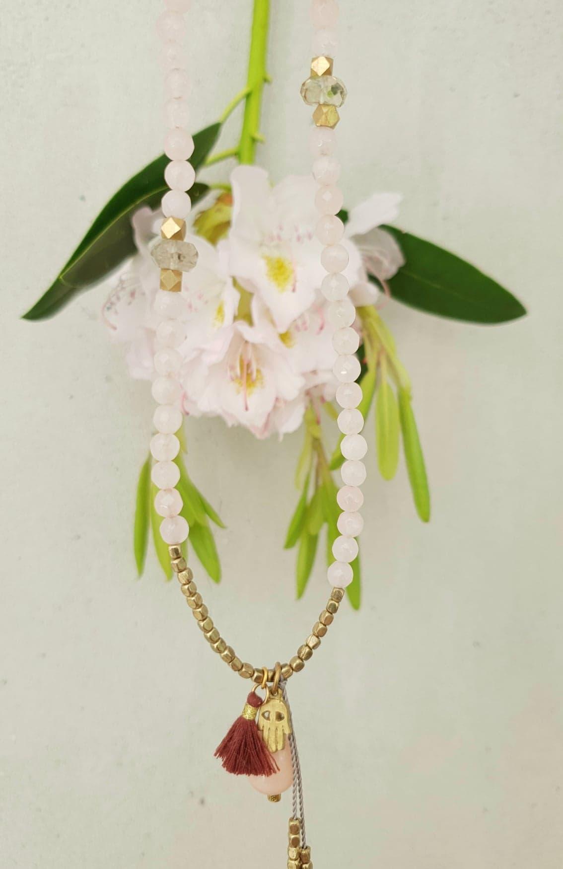 Rosa quartz kæde med vedhæng