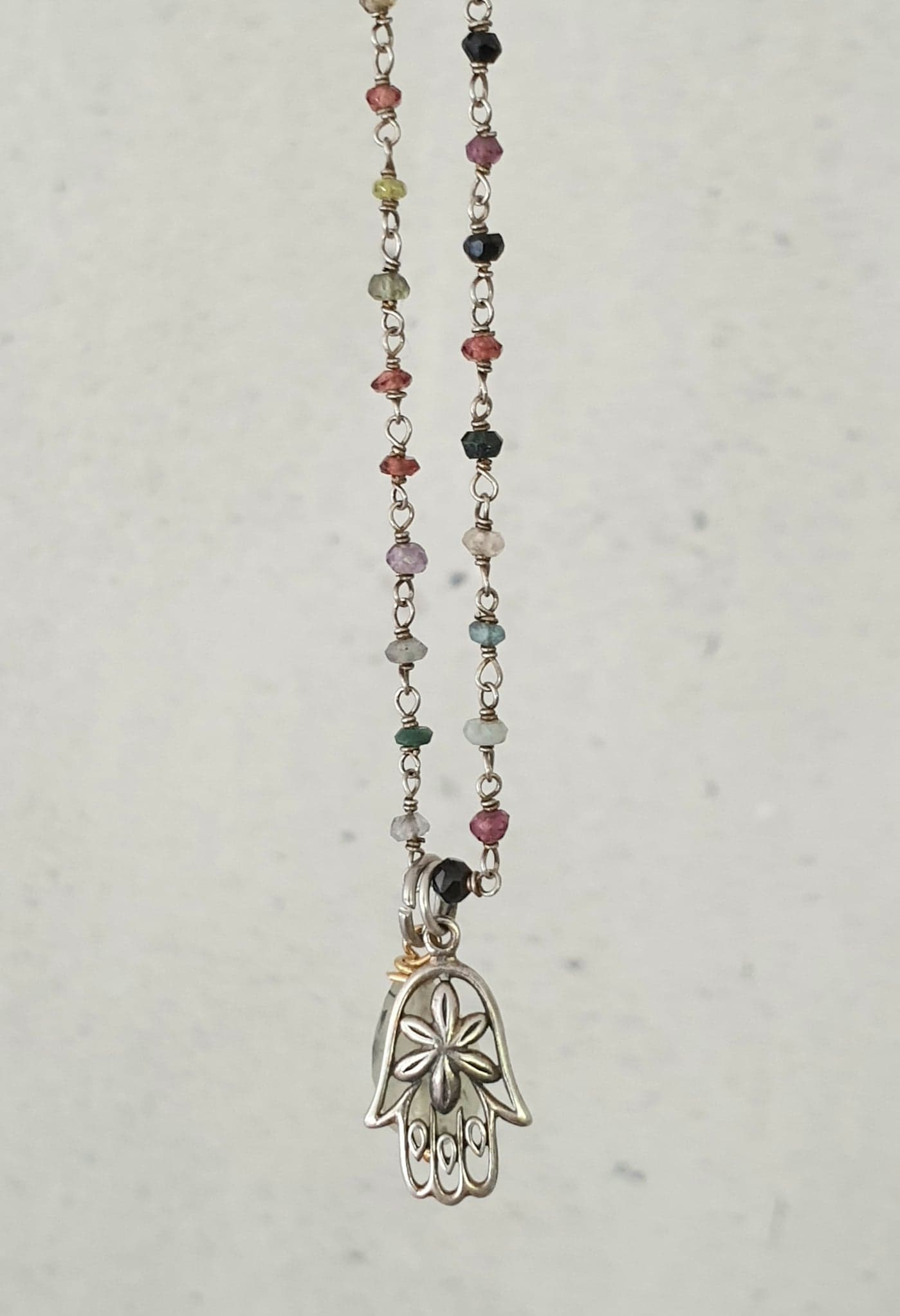 Rosary kæde i med halvædelstene, sølv hamsa hånd