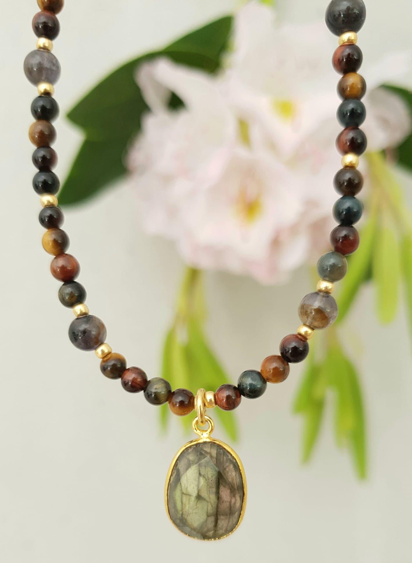 Tigereye kæde med iolit